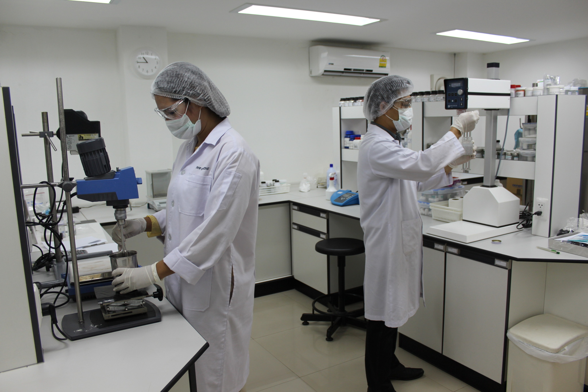 Summit Chemical Tech Support Lab 3 people